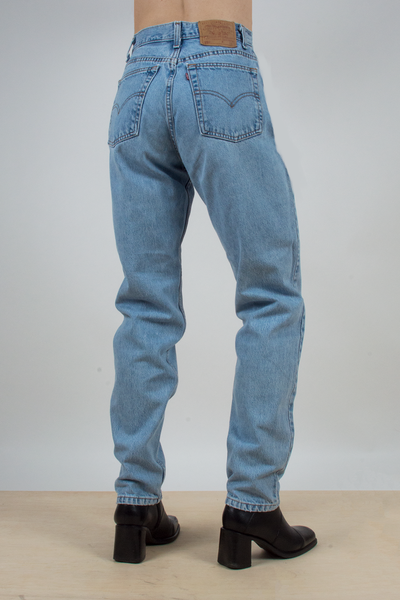 light blue vintage levi's 550 tapered jeans