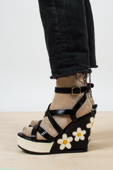 vintage wedge sandals with dasies