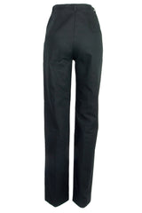 high-waist pants in black with flat front
