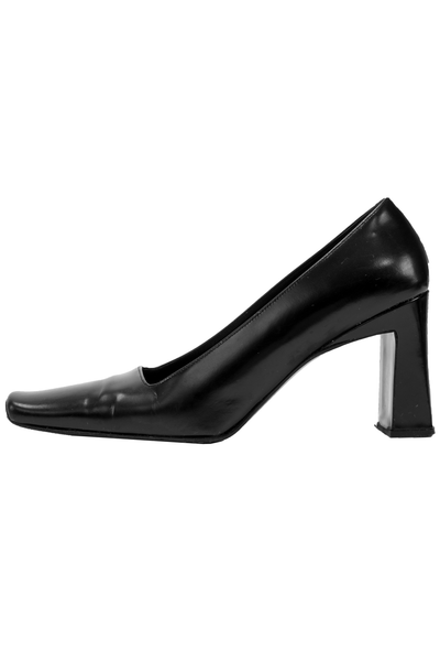 black leather pumps with square toe and block heel