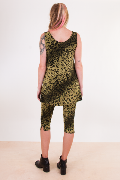 vintage cheetah print yoga outfit