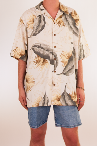 oversized vintage Hawaiian shirt