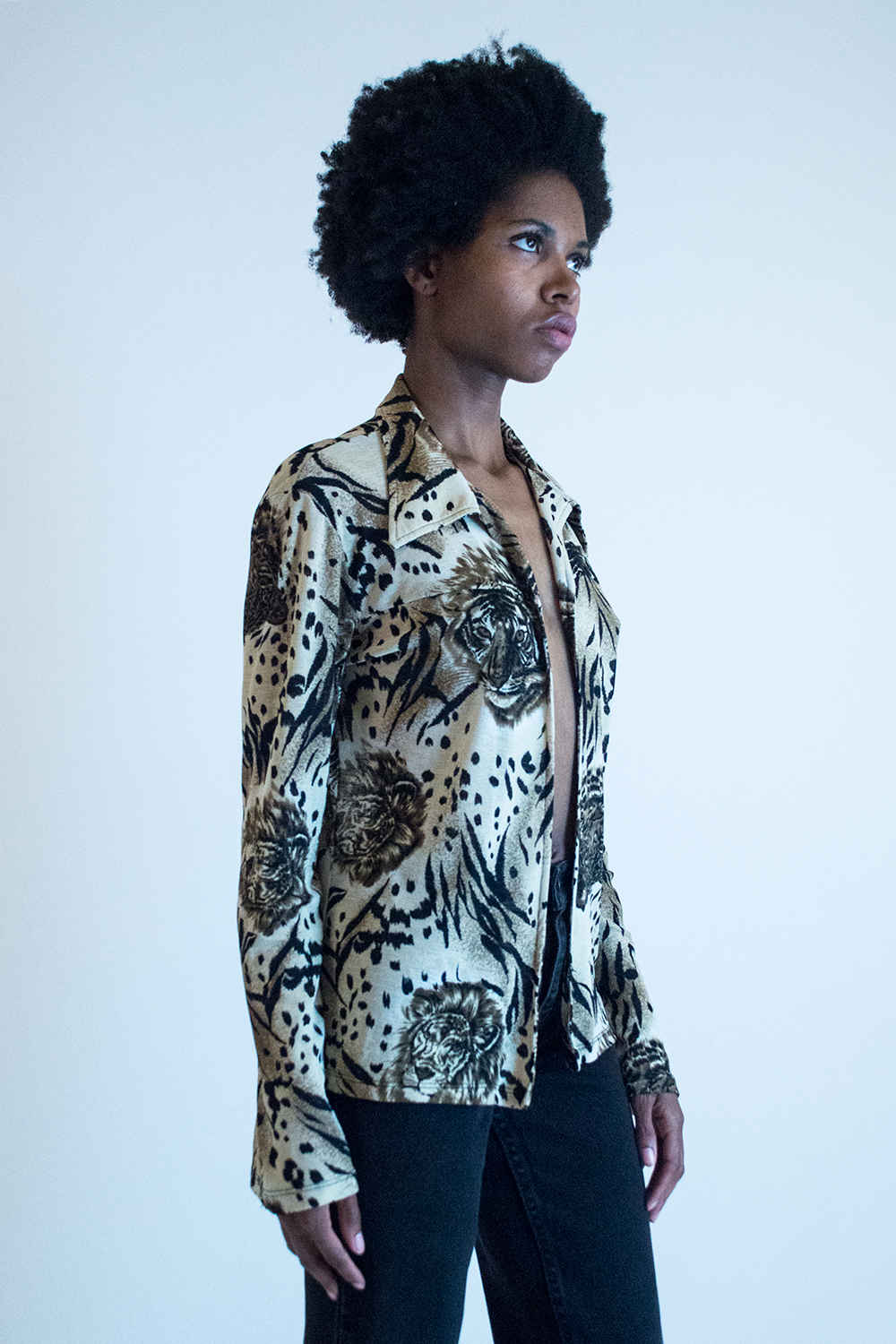 vintage lion print top with long sleeves