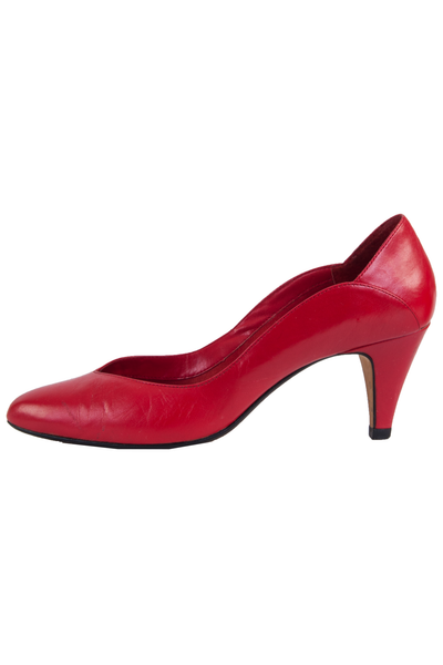 Red leather kitten heels with scalloped edge