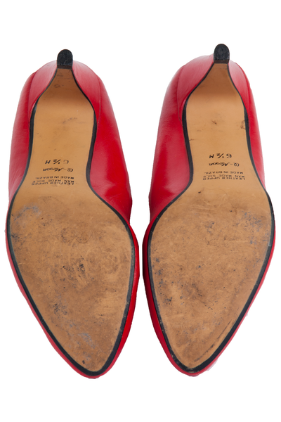 tan leather sole of vintage 9west red shoes