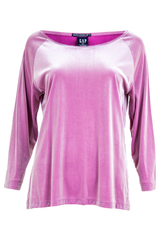 Pink crushed velvet top with long sleeves and scoopneck