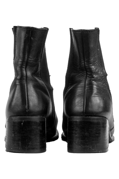 black leather boots with stacked heel