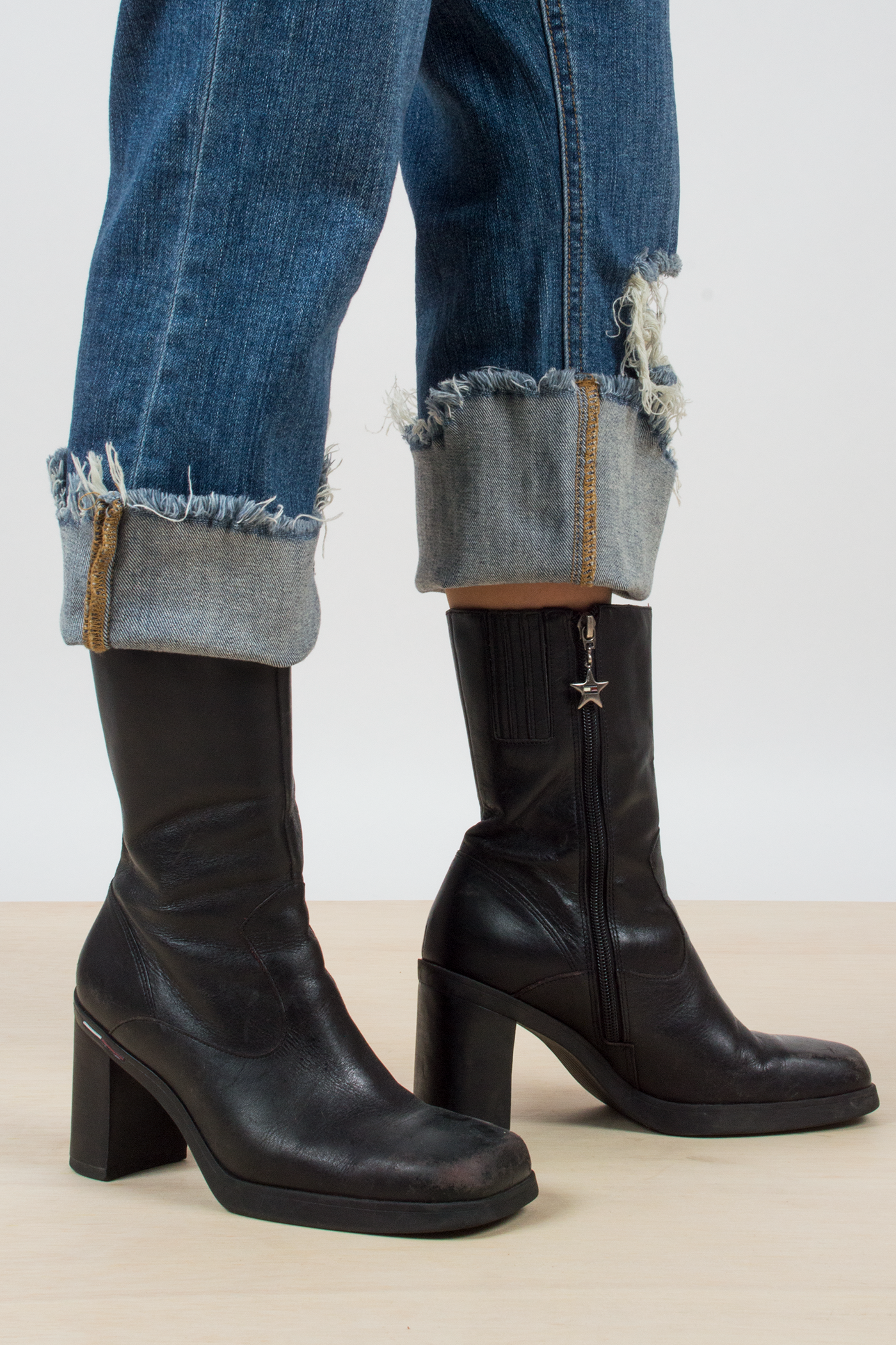 vintage Tommy Hilfiger black leather boots