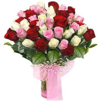 50 red, pink and white roses <3 - saysurprise