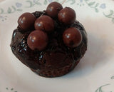 Intense chocolate cupcakes - saysurprise