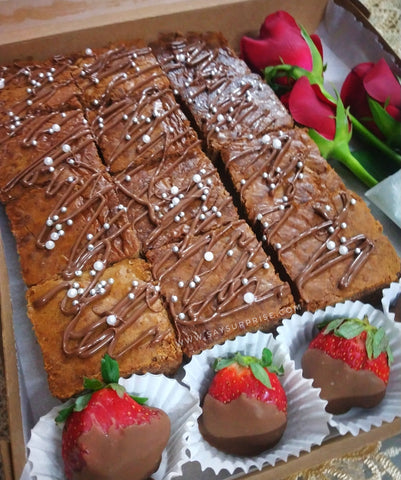 Treat Box - Brownies & Chocolate Strawberry & Roses
