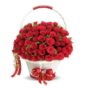 100 red roses in a white basket <3 - saysurprise