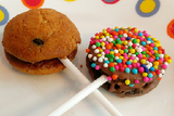 Chocolate chip mini cookie pops - saysurprise