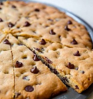 Chocolate Chip Cookie pizza - saysurprise