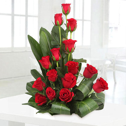 Red roses setting - saysurprise