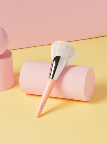 2. Blendarina Foundation Brush