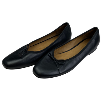 Katharine Page Ballet Flats in Black Leather.