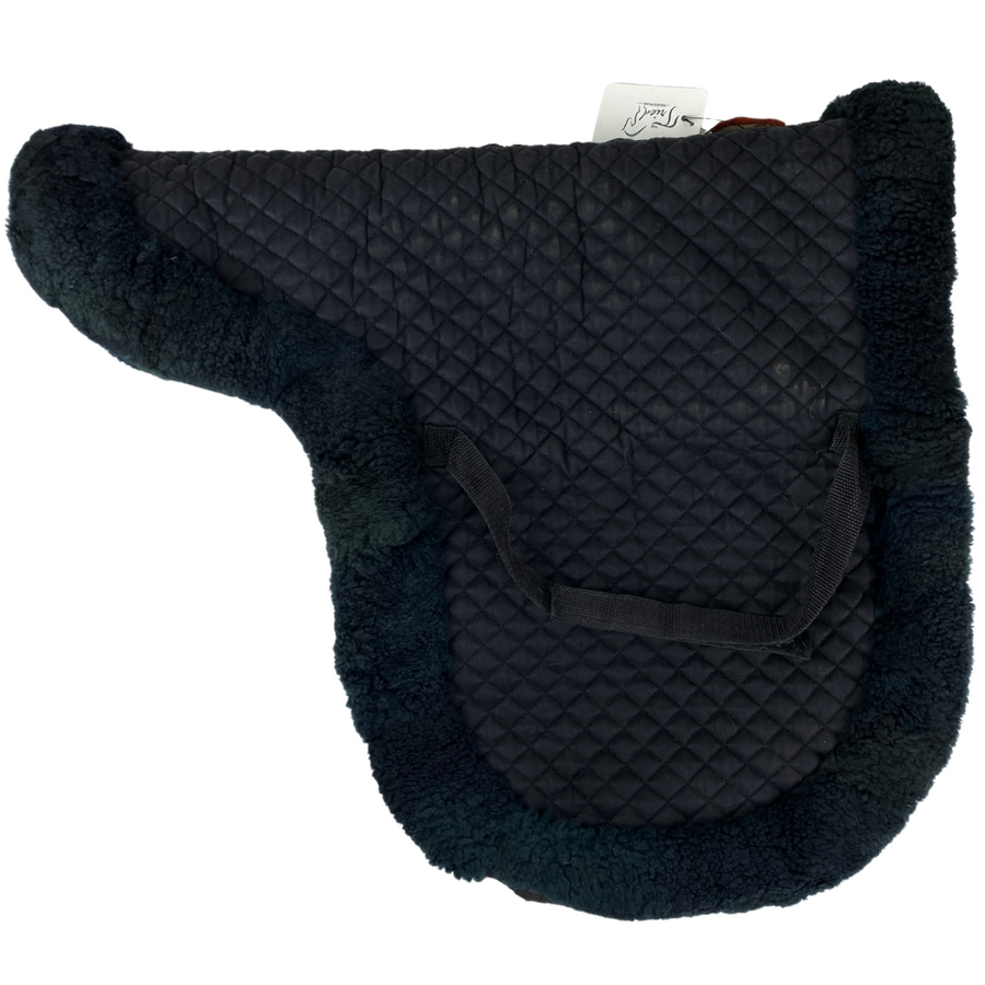 Other side of Fleeceworks Sheepskin Classic Dressage Pad in Black - Medium