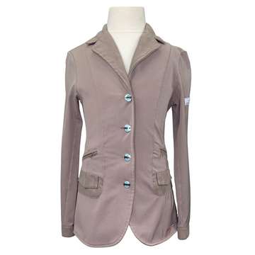 Animo Show Jacket in Beige