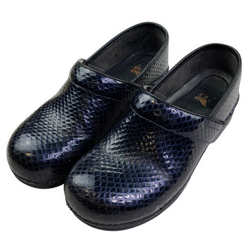Dansko Clogs in Black/Navy