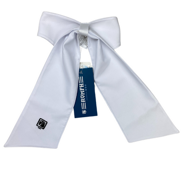 Romfh Chill Factor Pre-Tied Stock Tie in White