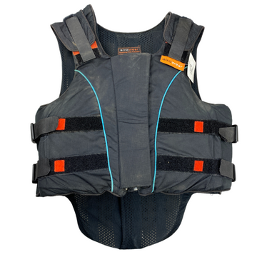 Front of Airowear Outlyne Flexible Vest in Black