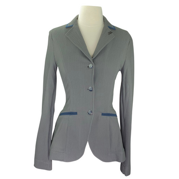 AA Platinum MotionLite Show Coat in Grey/Navy Piping