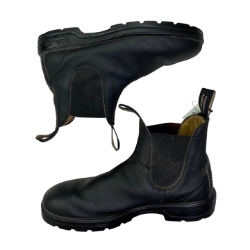 Side of Blundstone Paddock Boots in Black