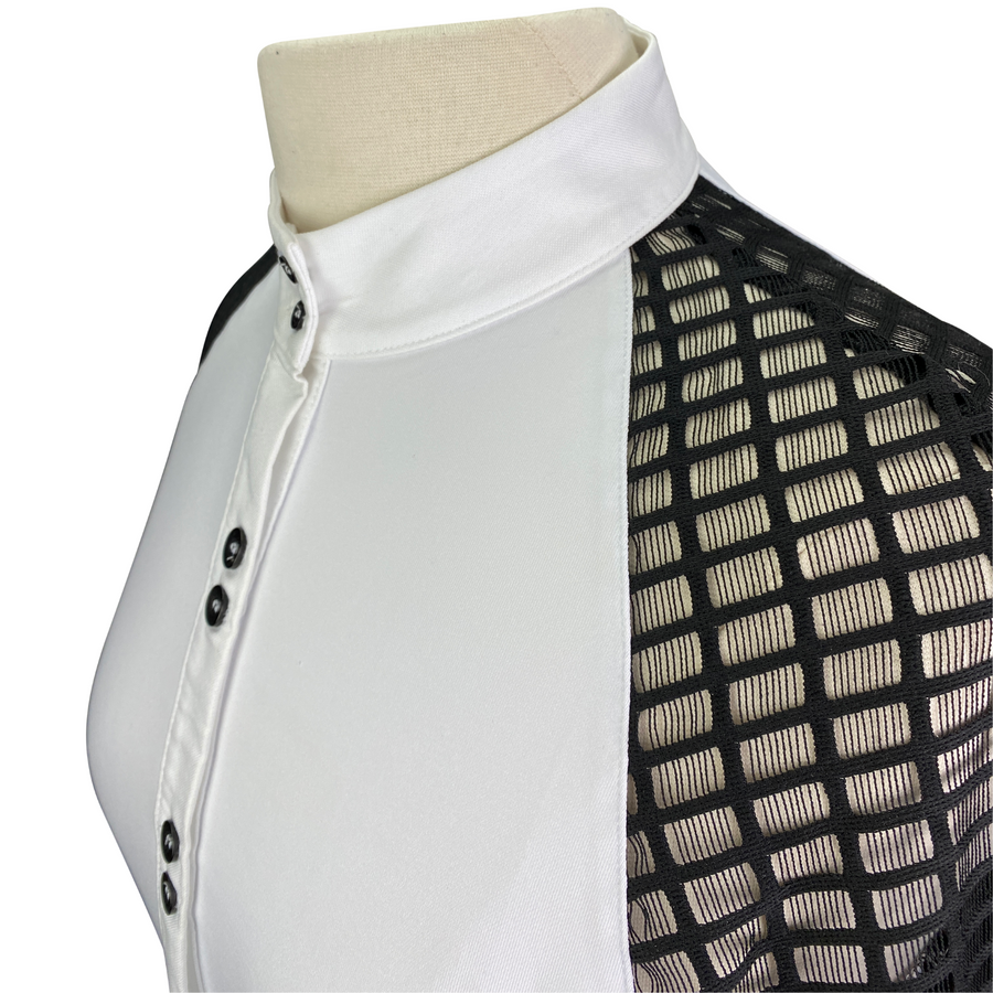 Closeup of Levade Clothier 'Kate' Show Shirt in White/Black - Women's XS