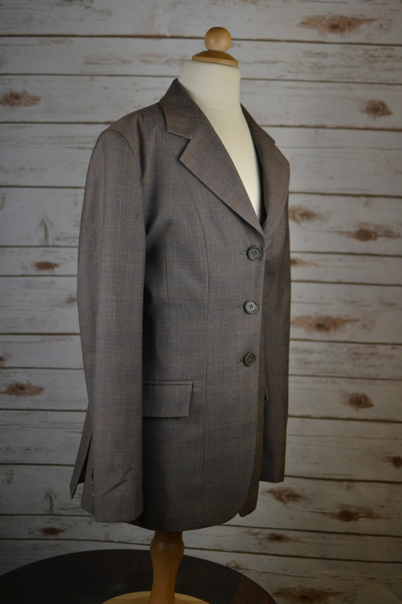 The Wellington Collection Show Coat  in Brown - Approx. Women's 0