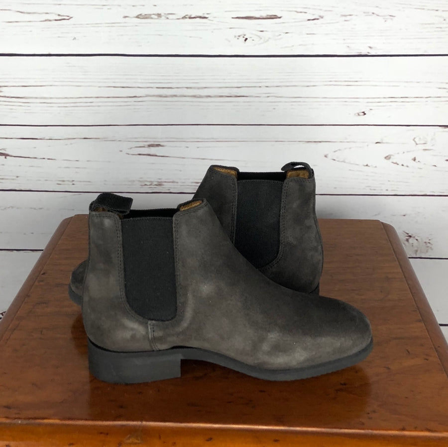 Celeris Letizia Chelsea Boot in Grey Suede - Inside View
