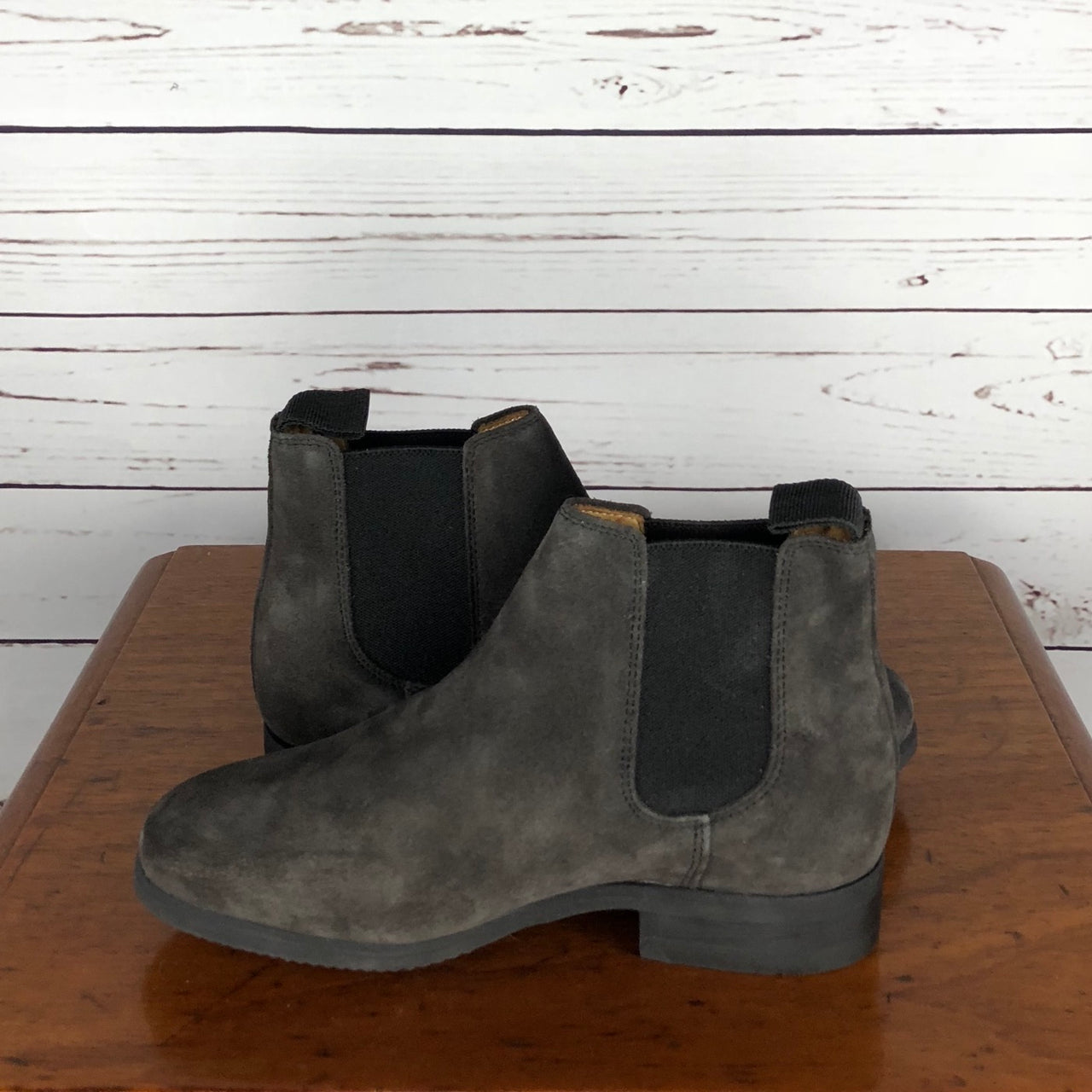 Celeris Letizia Chelsea Boot in Grey Suede - EU 33 (Children's US 1.5-2)
