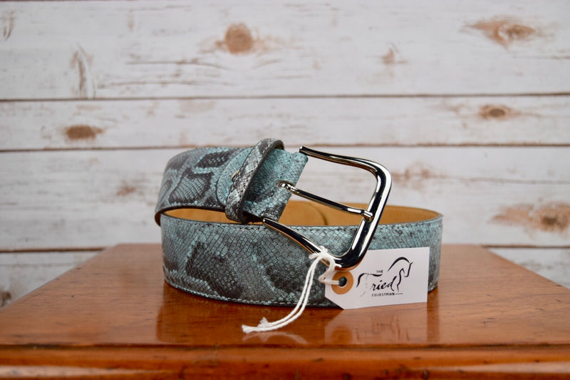 The Tailored Sportsman Snakeskin Belt in Blue Snakeskin - Women's Small