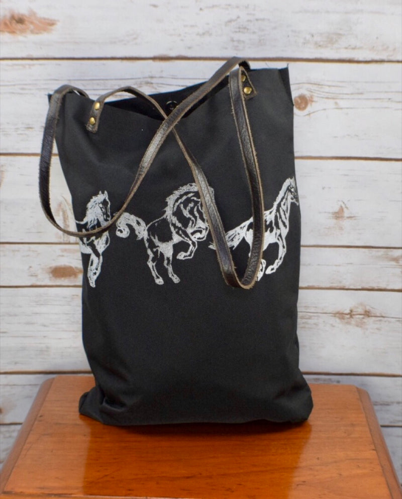 Spiced Equestrian Barn Tote in Open Gate - One Size