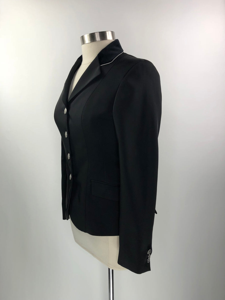 RJ Classics Xtreme Soft Shell Show Jacket in Black/Silver Piping -  Left Side View