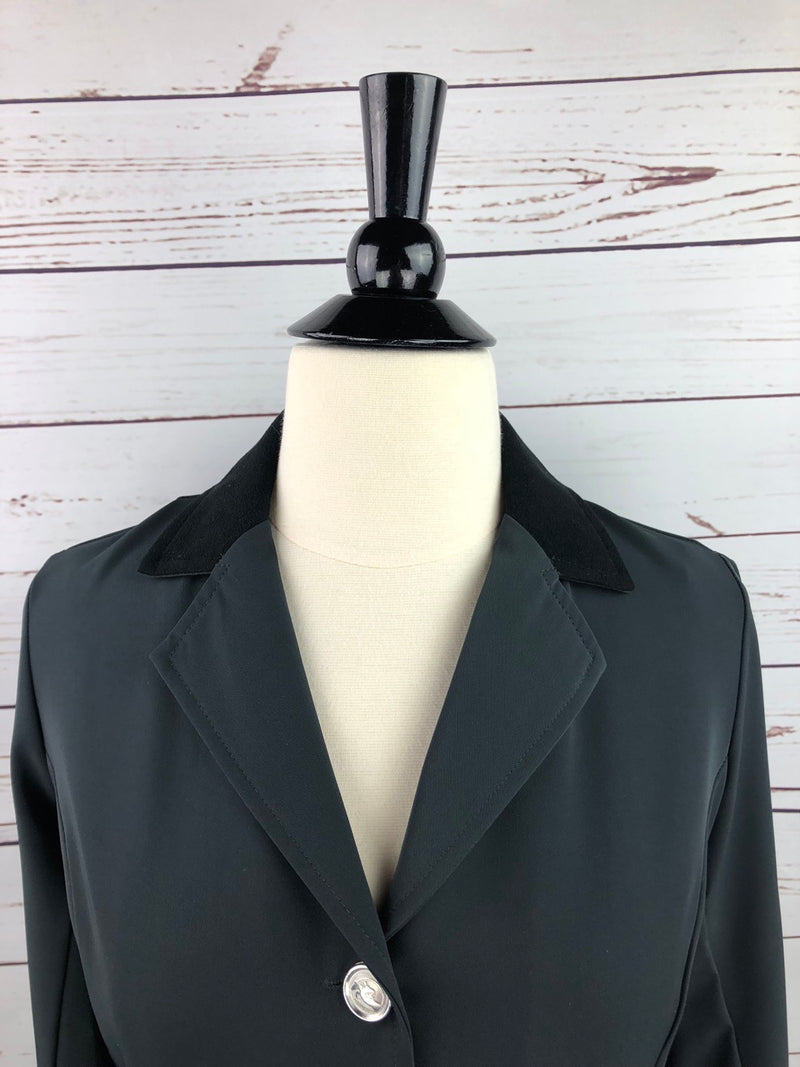 Grand Prix TechLite Rylie Show Jacket in Grey/Black Collar - Women's 10R (US 4R)