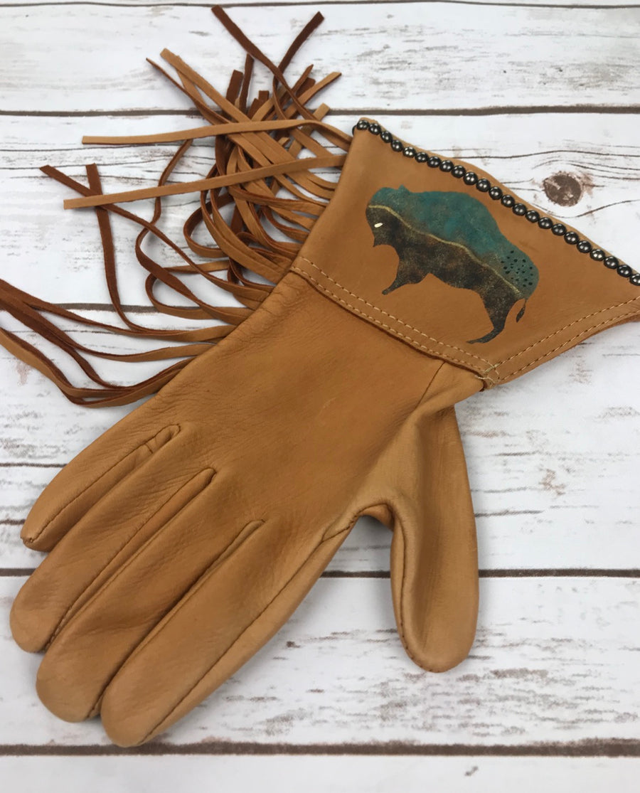 Patricia Wolf Dream Buffalo Gloves in Saddle Tan - Outside View