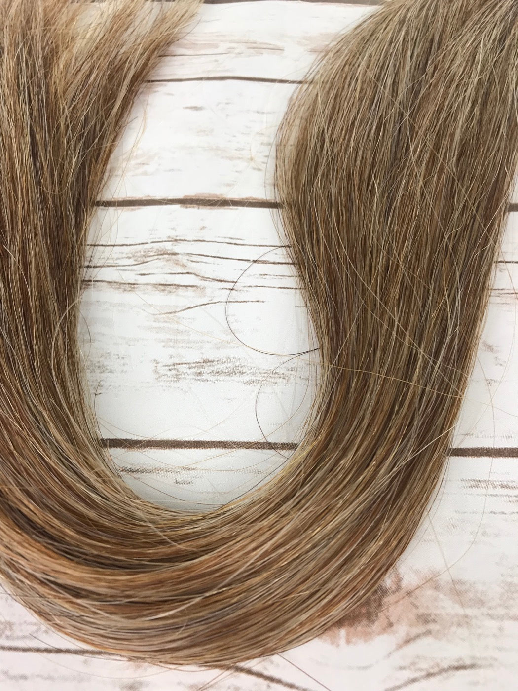 Champion Tails False Horse Tail Extension In Light Flaxen Standard
