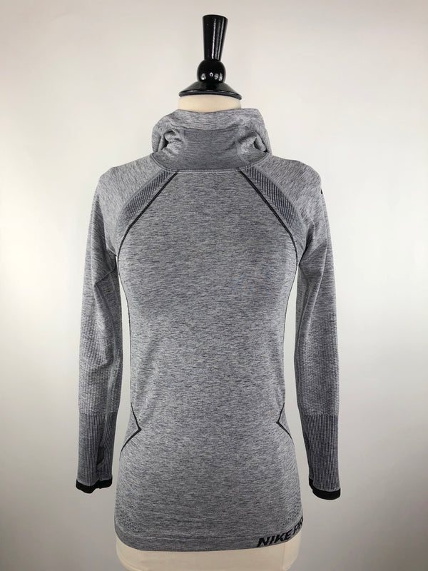 Nike Seamless Hoodie in Heather Grey - Women's Small