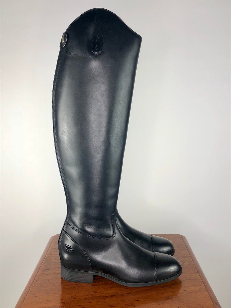 Ariat Westchester Zip Dress Boot in Black- Right Side View