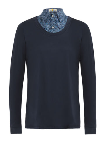 Callidae Practice shirt in navy with tadpole faux collar