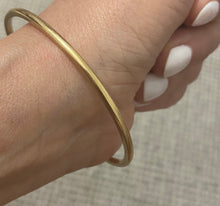 Pre order Solid gold bangle