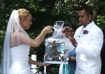 releasing live butterflies at wedding