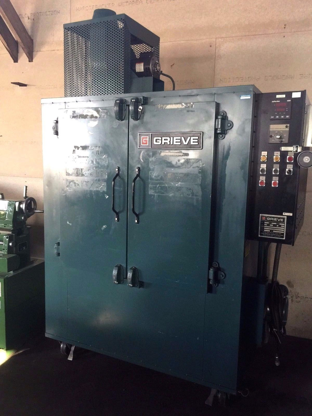 GREIVE 500 DEGREE ELECTRIC BATCH OVEN 3'X3