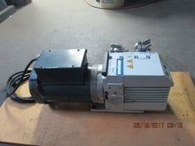 Oerlikon Leybold Trivac Pump D8B with Motor 115/230 0.75 HP_POWERS ON AND WORKS!