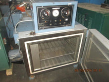 BLUE M MODEL C0-250-1 ENVIRONMENTAL CHAMBER / OVEN -73 DEGREES TO +204 DEGREES C