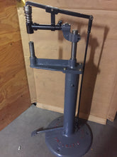 CHICAGO PNEUMATIC 12 INCH PLANISHING HAMMER / EXCELLENTE CONDITION