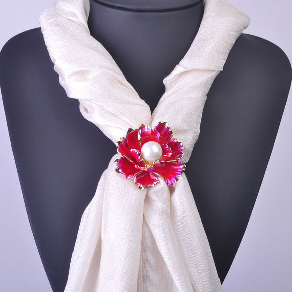 Luxurious Flower Tricyclic Scarf Buckle With White Pearl