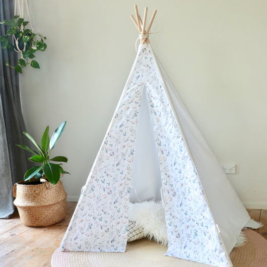 Watercolour Leaf Teepee