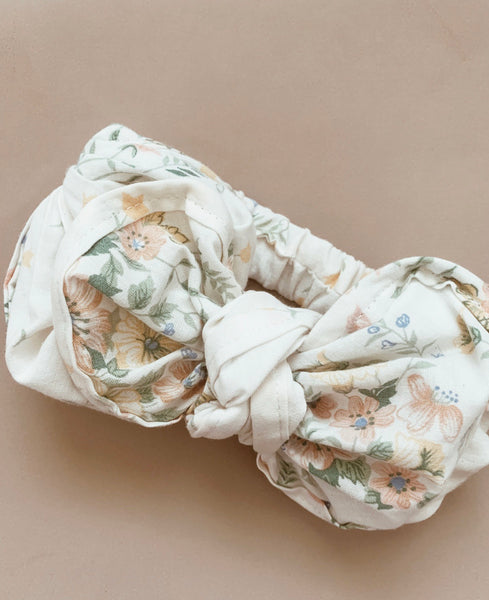 Dainty Flower Fabric Topknot
